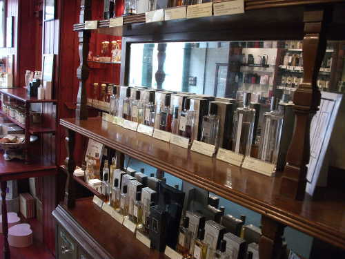 Woodforde's Perfumery, Sidmouth: Interior